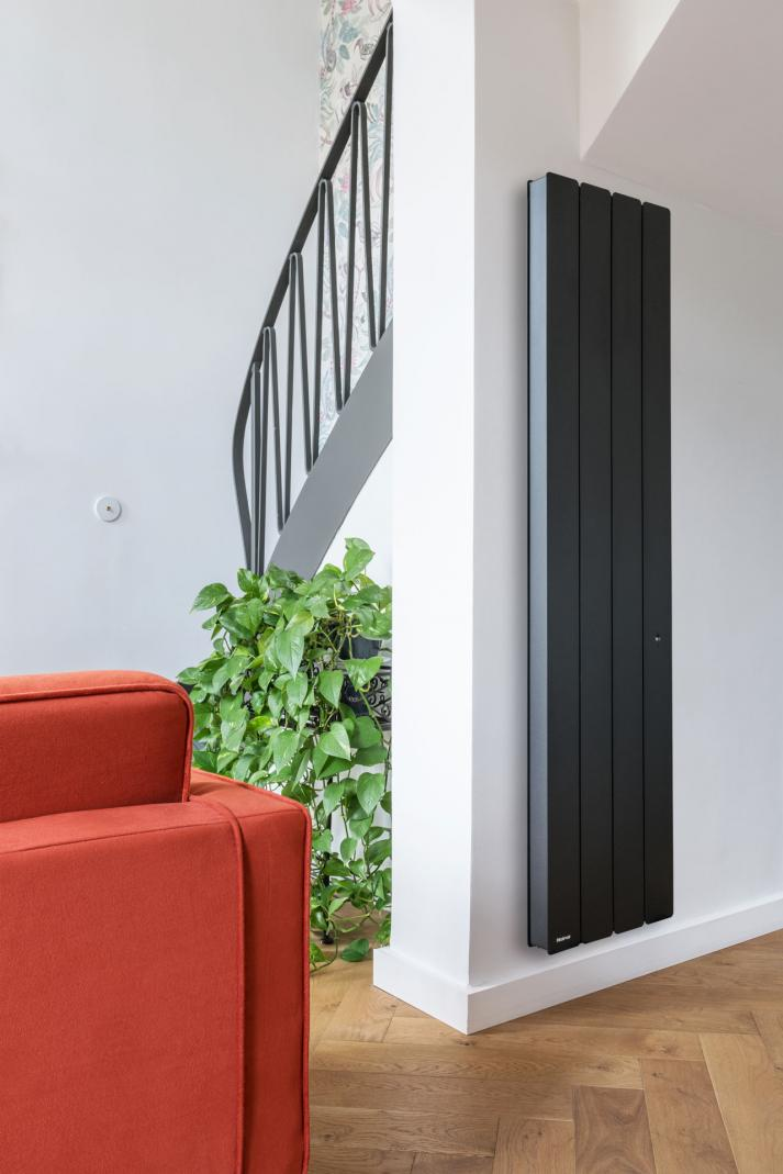 Radiateur vertical 1500W Anthracite •  Bellagio NOIROT • Pégase APPLIMO • Fontéa AIRELEC